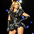 Beyoncé pourrait chanter le titre phare du prochain <b>James</b> <b>Bond</b> !