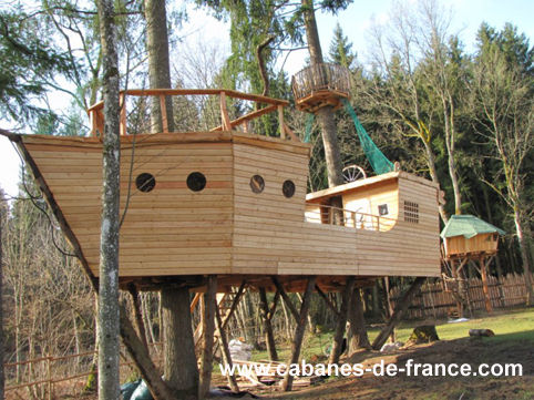 1000 images about cabane choupi on pinterest treehouse for Cabane exterieur