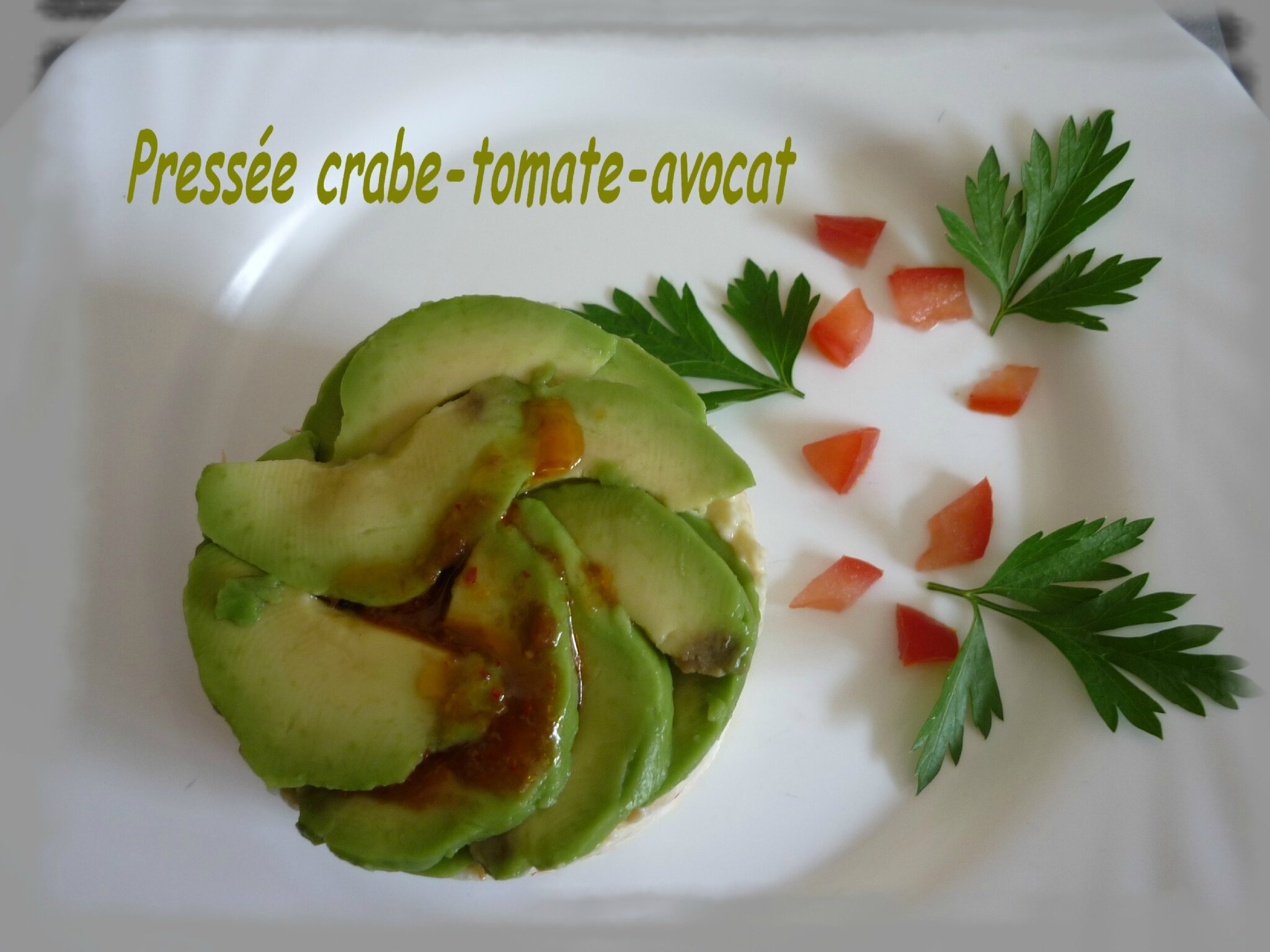 Press e crabe tomate avocat une entr e haute en fraicheur for Entree vite faite simple