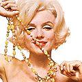 23/06/1962 Pearls Sitting 2 par Bert Stern