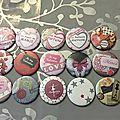 Créations de <b>badges</b>, décapsuleurs, miroirs personnalisés.