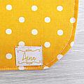 <b>Bavoir</b> Jaune orange petit pois 100% coton