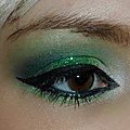 Les yeux revol-vert