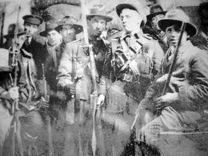 Irish-Volunteers-1916-GPO