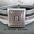 Pour une maman moderne et dans l'air du temps à laquelle on voudrait délivrer un message d'amour, ce bracelet multirangs en cuir