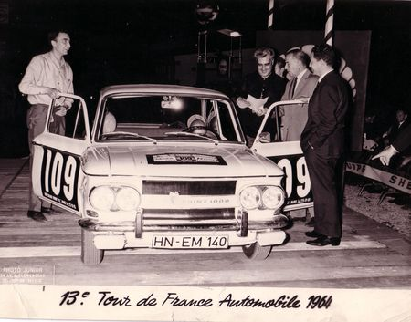 PHOTO_1___CUTTICA_Christian___13e_TOUR_DE_FRANCE_1964___NSU_PRINZ_1000_N__109_A_l_arriv_e