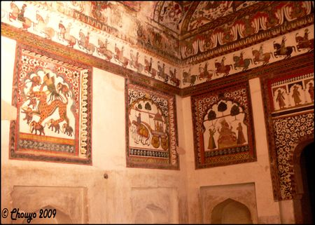 Orchha_Jahangir_Mahal_fresques