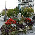 <b>Flore</b> et ses fleurs place <b>Flore</b>