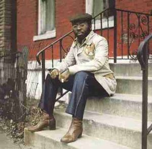 Curtis-Mayfield-On-The-Stoop