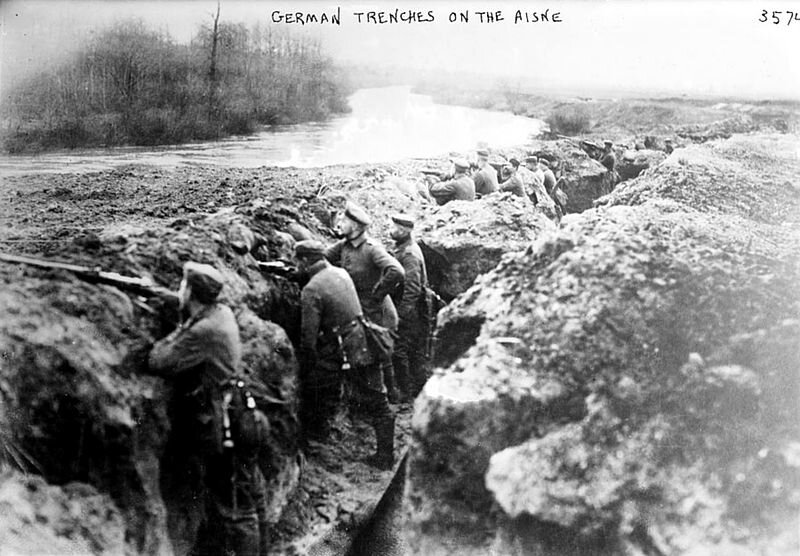 800px-German_trenches_on_the_aisne