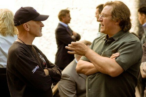 IAN BRYCE & le producteur LORENZO DI BONAVENTURA (à droite) sur le tournage de Transformers