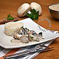 Escalopes de poulet à la crème et champignons de Paris