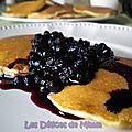 Mix pour pancakes, sauce aux <b>myrtilles</b> de Nigella