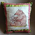 Petit <b>coussin</b> ours