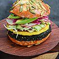 El Chef <b>Juan</b> Pablo Loza, creó una hamburguesa basada en los ingredientes tradicionales de la Región Maya.