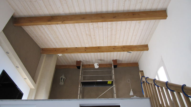 Installation sur mezzanine ecran transonore for Comment poser du lambris bois horizontal