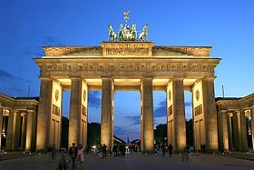 280px-Brandenburger_Tor_abends