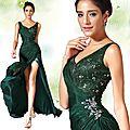 Look du Jour ------Robe de Soirée Verte Foncée Avec Haute Fendue !!!