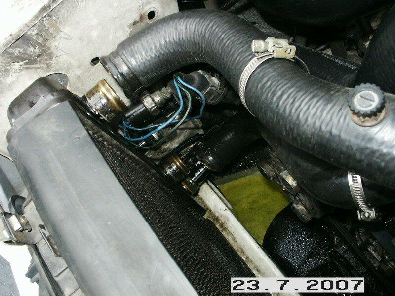 club forum renault 25 fran ais afficher le sujet remplacement de la pompe eau sur j8s diesel. Black Bedroom Furniture Sets. Home Design Ideas