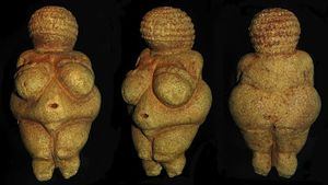 Venus of Willendor 3 angles