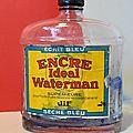 Une très grosse bouteille d'encre Waterman ! Un objet ancien et impressionnant...