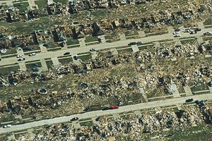 400px-Oklahoma_City_tornado_1999-05-03