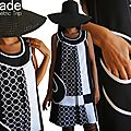 Une Rentrée Mode Automne/Hiver 2014.2015 en Noir et Blanc : Une robe noire trapèze au Look Graphique et Géométrique !
