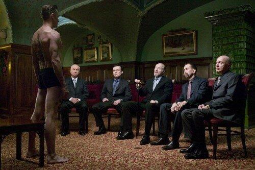 Viggo Mortensen (à gauche) dans Les Promesses de l'ombre