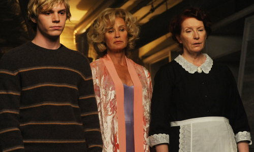 Evan Peters, Jessica Lange et Frances Conroy