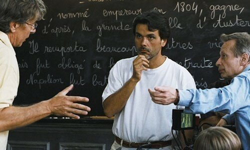 Christophe Barratier (au centre) sur le tournage des Choristes
