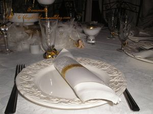 TABLE_BLANC___OR_assiette