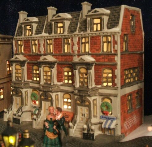 Dept 56 Brightsmith Sons Queens Jewellers Dickens 20205641