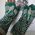 Mayfield Mitts by Erica Heusser