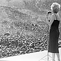 1954-02-korea-dress_purple-stage_out-sing-010-1