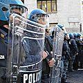 Italie : Violences spectaculaires lors d'une manifestation contre la Banque d'Italie et Forza Nuova à Bologne