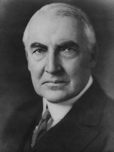 Warren_G_Harding_portrait_172429