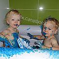 Peinture à doigts...dans la <b>baignoire</b> !