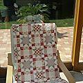 <b>Tilda</b> Sweet Heart, un joli plaid pour mon fauteuil suédois....