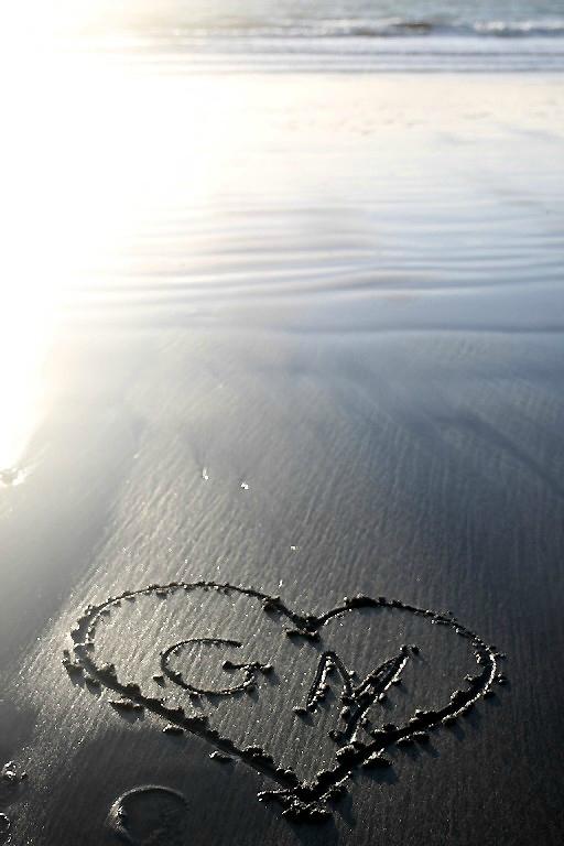 2-Hommage GM, Coeur, plage (Normandie - Etretat)_0537