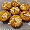 Muffins à la poire et au biscuit au chocolat