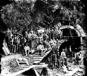 Workers-at-the-Simplon-tunnel-excavation-site