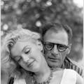 Mai 1957 Marilyn en robe blanche avec Arthur par Sam Shaw