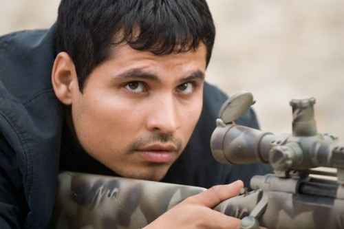 Michael Pena dans le Shooter
