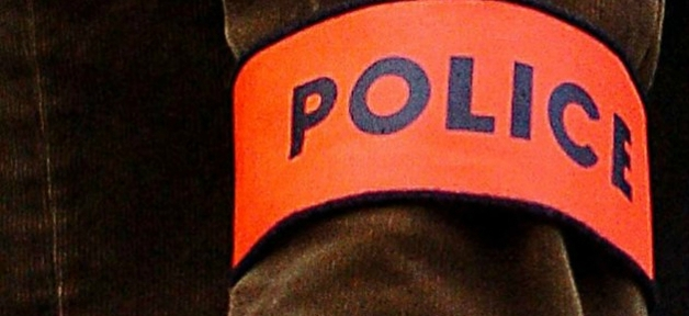 Police brassard 1