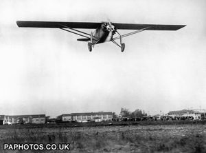 aviation-captain-charles-lindbergh-spirit-of-st-louis-croydon