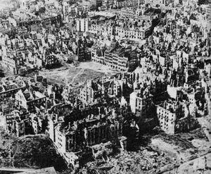 Pologne-Varsovie-janvier1945-1-2