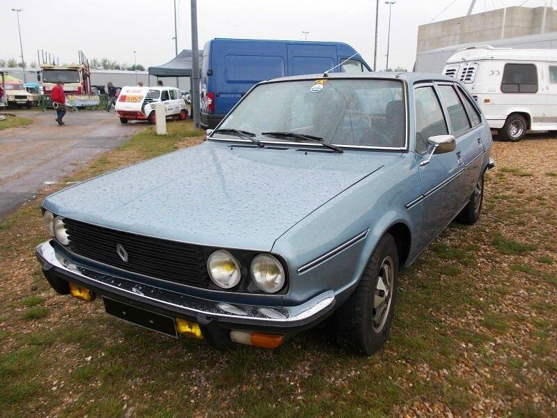 Renault30TSav1