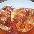 Thon avec sa <b>sauce</b> aux câpres et olives