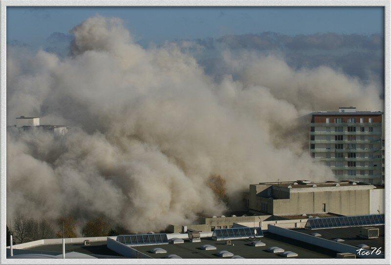 [Le Havre] Implosion des 2 tours du Mont-Gaillard 8461907