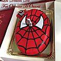 Gâteau <b>3D</b> en Pâte a sucre Spiderman